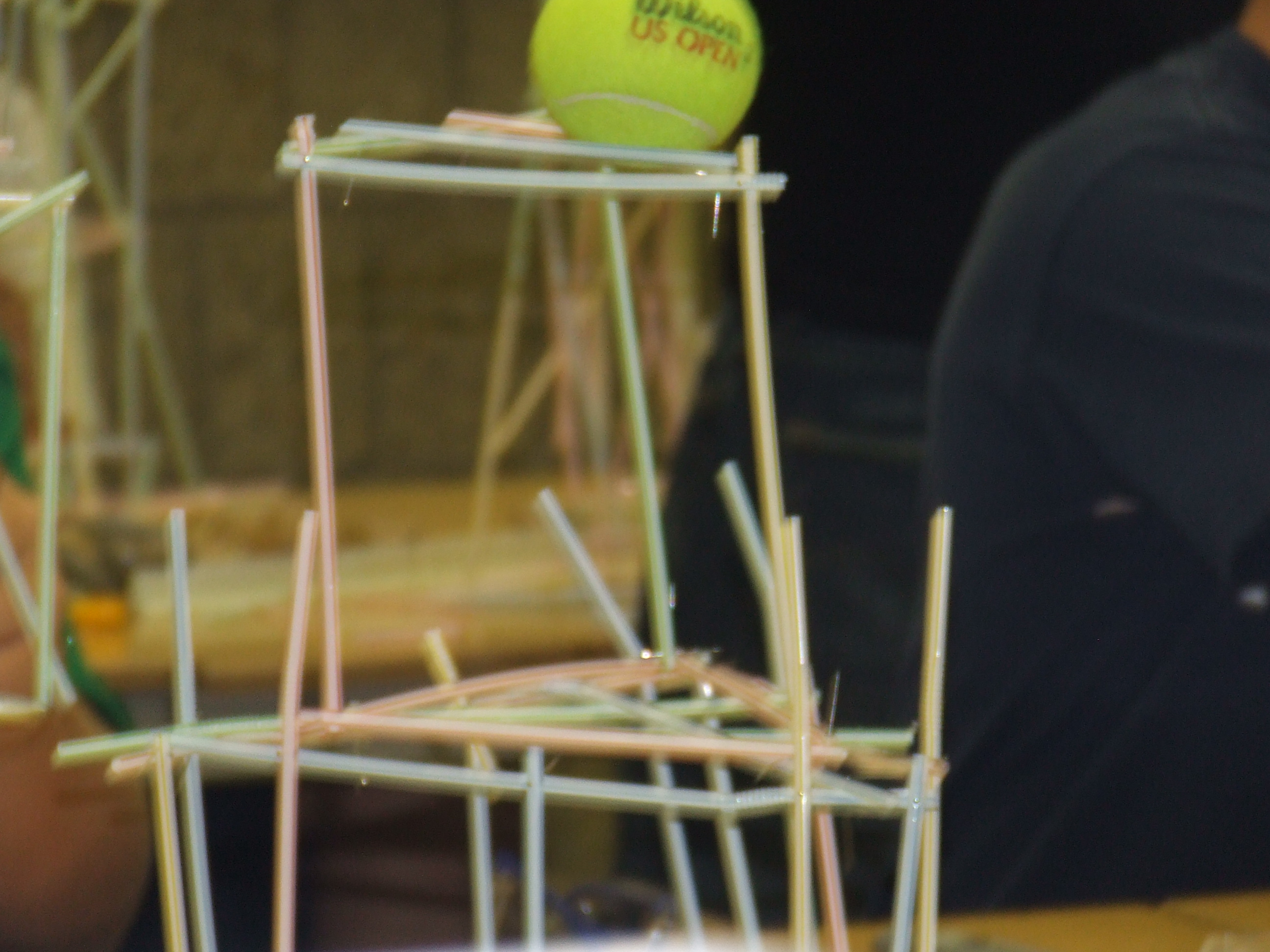 how to make a straw tower to hold weight